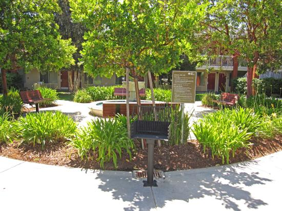 Extended Stay America - San Francisco - San Mateo - SFO: Picnic Area