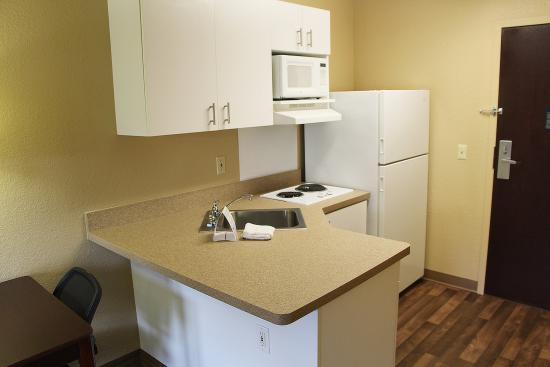 ‪‪Extended Stay America - Portland - Beaverton - Eider Court‬: Fully-Equipped Kitchens‬