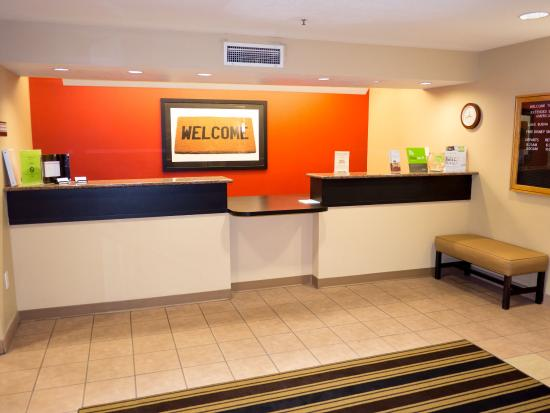 Extended Stay America - Orlando - Convention Center - Universal Blvd: Lobby and Guest Check-in