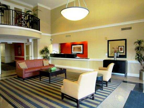 Extended Stay America - Tampa - Airport - N. West Shore Blvd.: Lobby and Guest Check-in