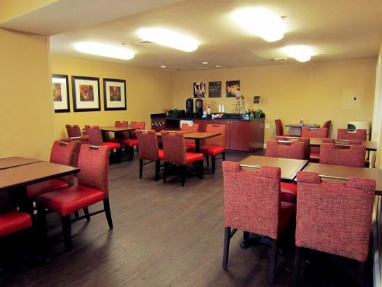 Extended Stay America - Tampa - Airport - N. West Shore Blvd.: Breakfast Room