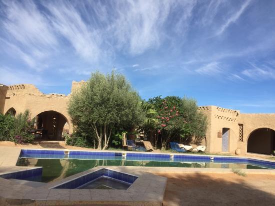 Auberge Ksar Sania: Outdoor pool area