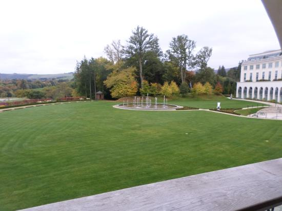Powerscourt Hotel, Autograph Collection: Hotel grounds