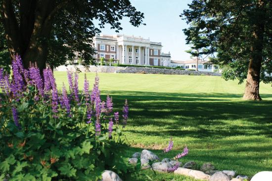 Canyon Ranch in Lenox : Bellefontaine Mansion.