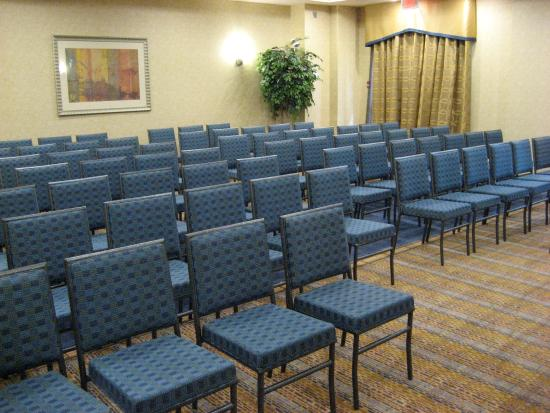 Holiday Inn Express Hotel & Suites Riverport: Steveton Meeting Room ready for a Meeting