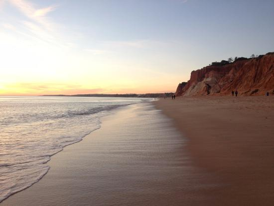 Прекрасный песочный пляж