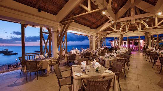 Pearle Beach Resort & Spa: Restaurant Horizon