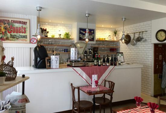 Le bistro french restaurant orangerie in cholet fr for Collection cuisine cholet