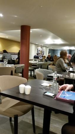 Inside Borders Restaurant