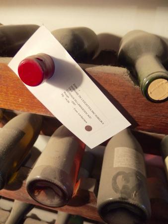 Calvisson, Prancis: Bottled wine in tasting room