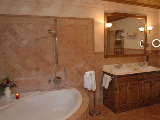 Hotel Gotisches Haus: Room