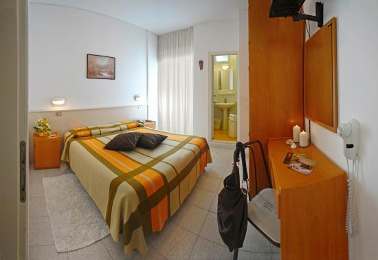 Rosa room foto di hotel cavalluccio marino gabicce mare for Foto cavalluccio marino