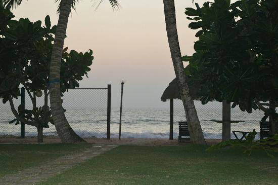Sea Rock Villa: Jan 2015 Lovely place on the beach, Amazing view & staff are friendly