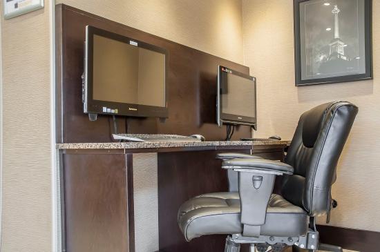 Comfort Inn Fort Erie: Business center