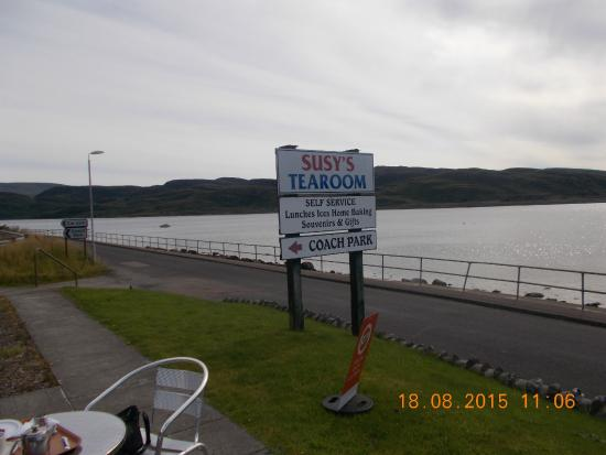Tighnabruaich, UK: Sign showing Susy,s Tea rooms