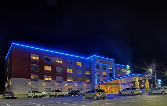 Holiday Inn Express Suites Tulsa Ne Claremore Beautiful New Hotel In