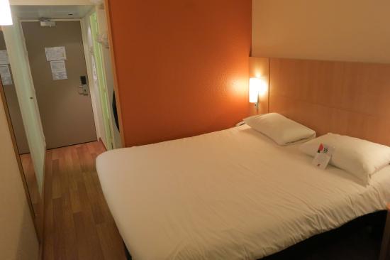 Ibis Lyon Gerland Rue Merieux : Standard double room #401