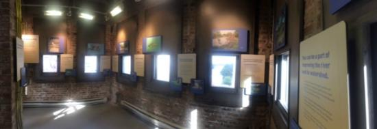 The McCormick Bridgehouse & Chicago River Museum: Top floor exhibit, 360 view of the city and river