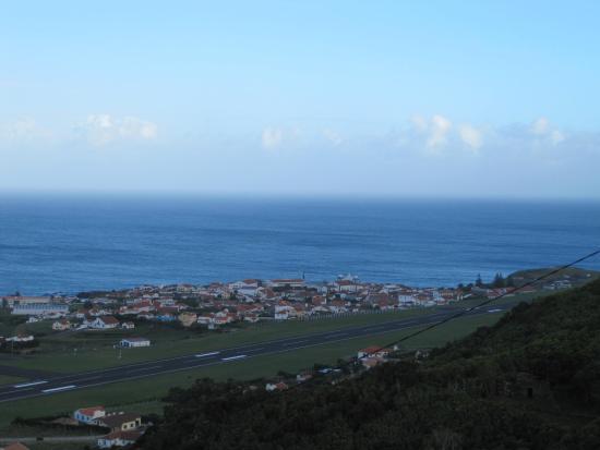 Santa Cruz das Flores, Portugal: Взлетно-посадочная полоса Санта-Круш-даш-Флореш