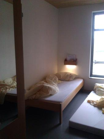 Jugendherberge Heidelberg International: Двухместный номер и дополнительное спальное место