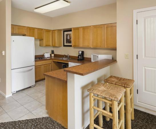 WorldMark West Yellowstone: Studio Kitchen