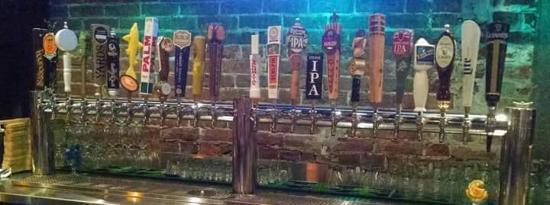 Burlington, Нью-Джерси: 24 Beers on tap