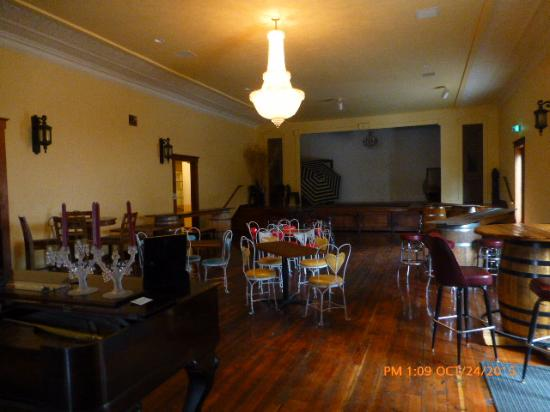 Echo, OR: Restored ballroom