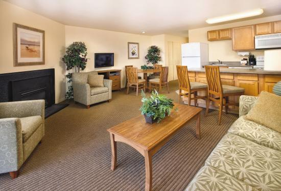 WorldMark Surfside Inn: Living Room