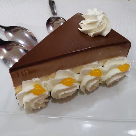 freiduria la cueva: Tarta de tres chocolates