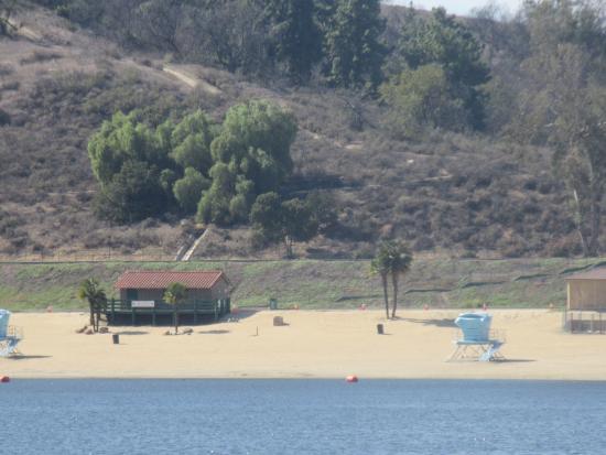 Swimming beach frank g bonelli regional park san dimas for Puddingstone lake fishing