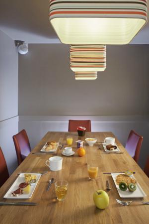 petit d jeuner photo de ibis paris rueil malmaison. Black Bedroom Furniture Sets. Home Design Ideas