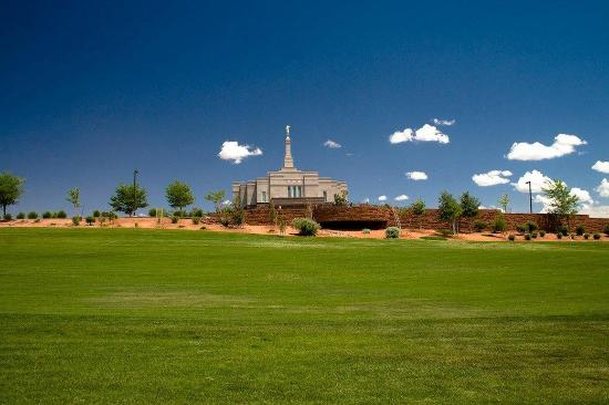 Snowflake, AZ: Golf Course and Temple