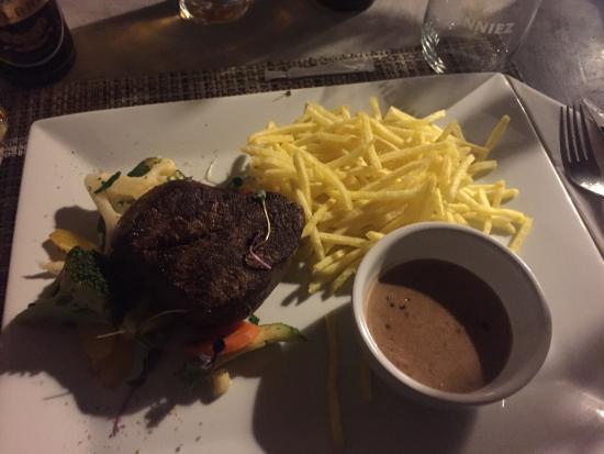 MO -  Restaurant & Bar Photo