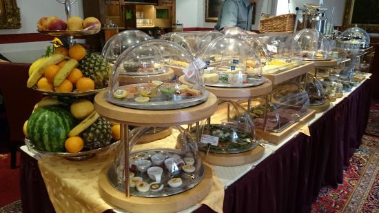 Hotel Garni Nuernberger Trichter : Breakfast