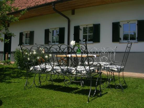 Feldbach, Αυστρία: Hochwertige Gartenmöbel von der regionalen Kunstschmiede