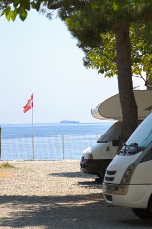 Camping La Focetta Sicula: Piazzole Camper all'Ombra direttamente sul Mare