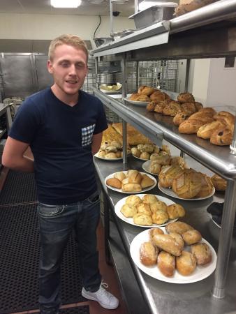 PB Boulangerie Bistro : PB chef Benoit