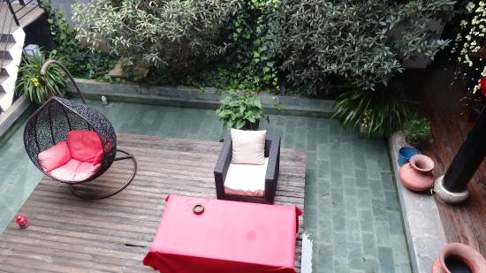 Lijiang Lu House Boutique Hotel: Courtyard