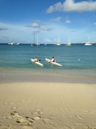 Zatoka Simpson, Sint Maarten: In Simpson Bay w/JP about to go out a learn some downwind surf paddling