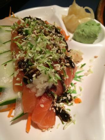 Sumo Sushi Bar: Pensem num restaurante bom! Agora multipliquem por 1.000! Atendimento do Paulo (Tucura) FORA DE