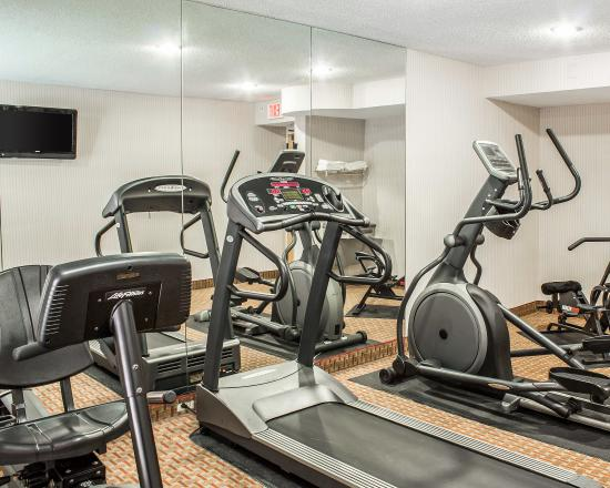 Econo Lodge Inn & Suites: Fitness Center
