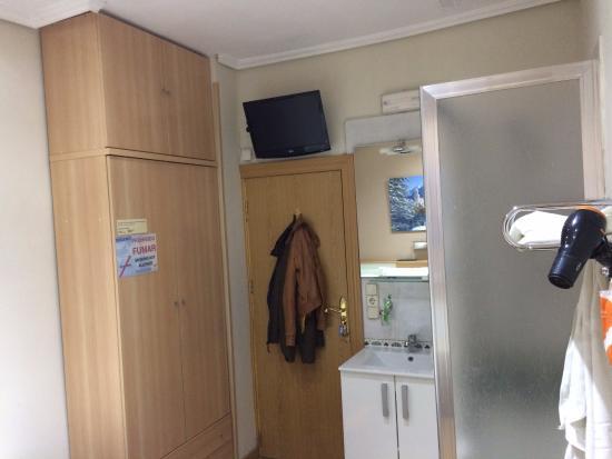 Pension Jaen : Habitación hostal Jaen
