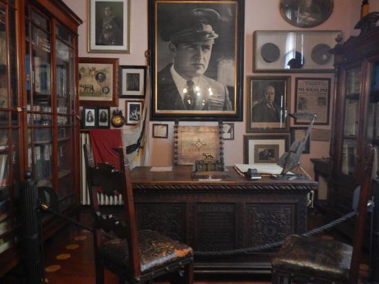 I mezzi picture of casa dei ricordi villa carpena for Casa italia forli