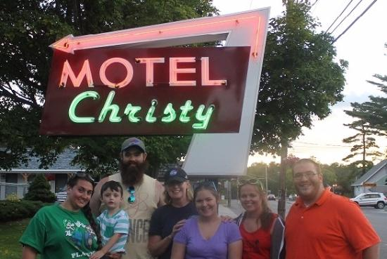 Christy's Motel: Loving the new retro sign!