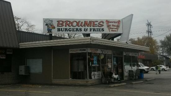Brownie's Burger & Fries