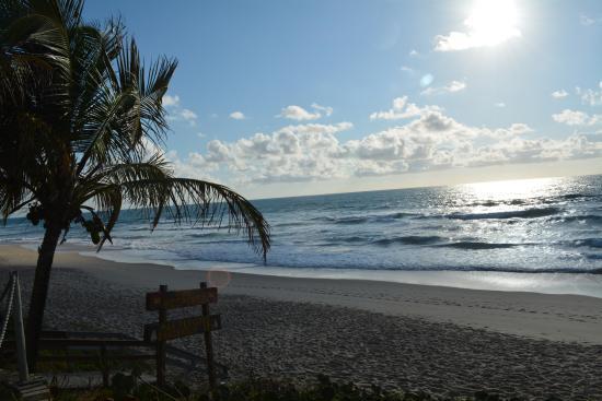 Pousada Ecoporto: Praia em frente ao Hotel