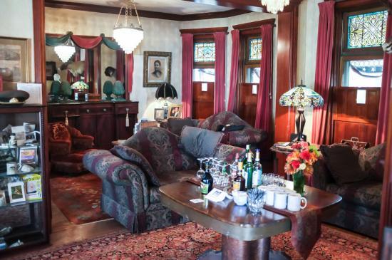 Smethport, PA: Living Room