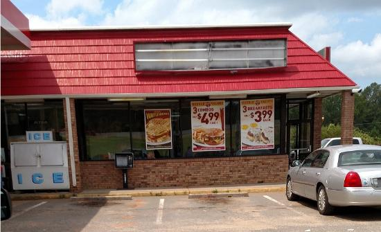 Huddle House: Street view - Aug 2015