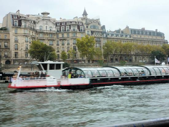 on the seine picture of bateaux parisiens paris tripadvisor. Black Bedroom Furniture Sets. Home Design Ideas