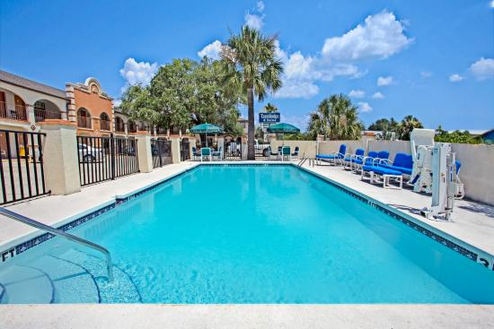 Travelodge Suites St Augustine : Out Door Pool